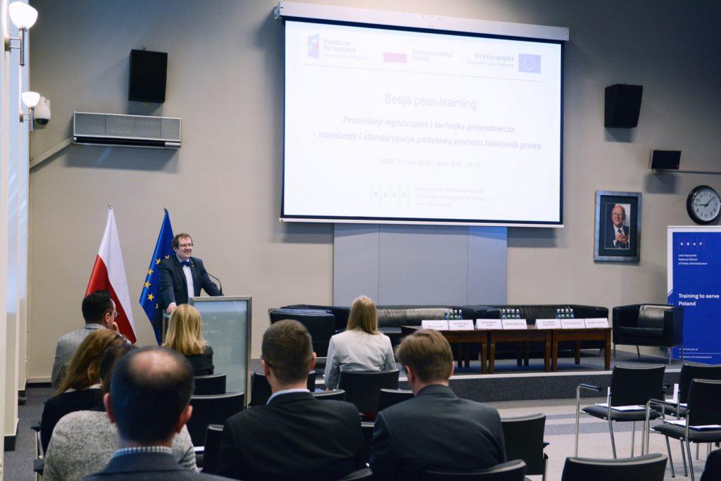 Pan Dyrektor Wojciech Federczyk rozpoczyna sesję
